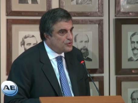 Cardozo rebate críticas de Aécio e membros do PSDB