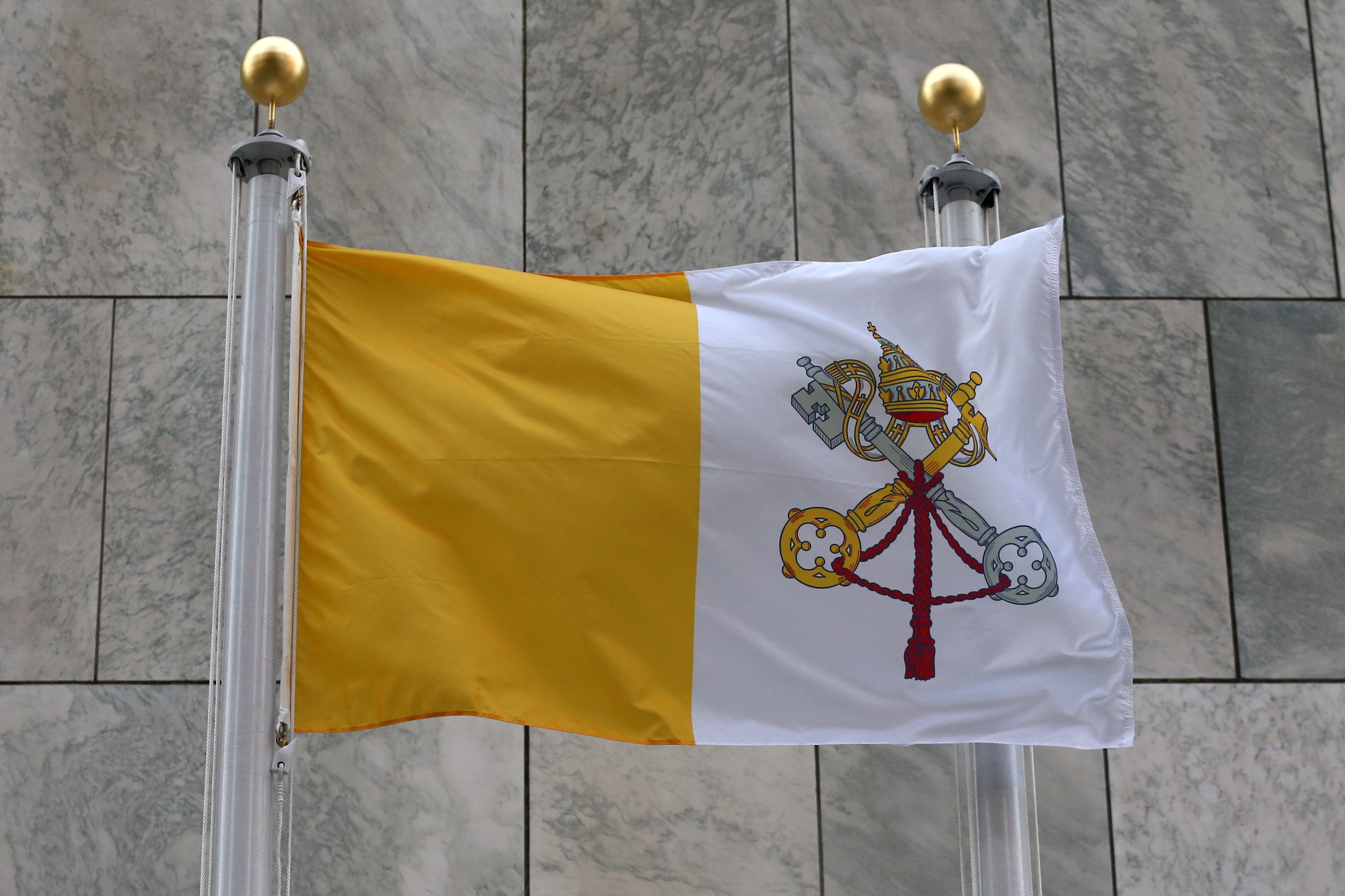 Bandeira do Vaticano é hasteada na ONU