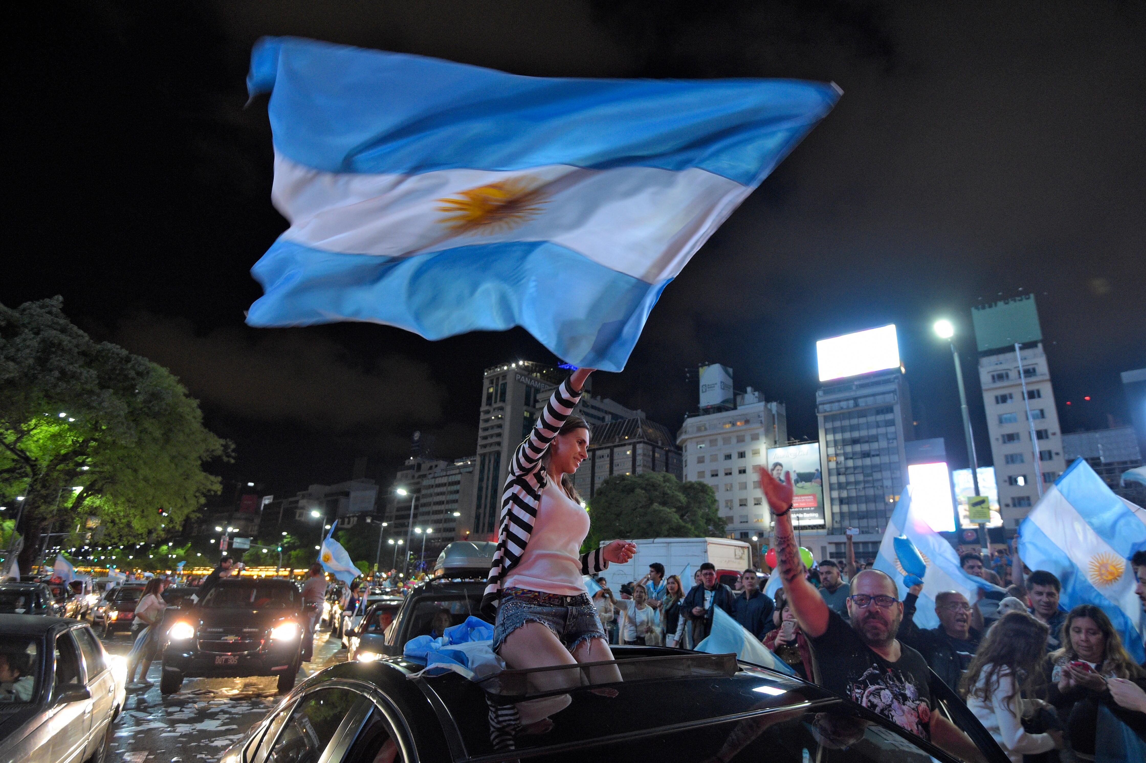 Argentinos celebram vitória de Macri