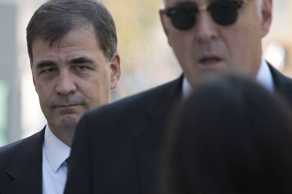 Testemunha diz que Globo pagou propina por direitos de TV e que cartolas receberam suborno