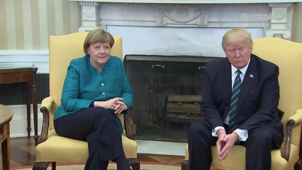 Trump ignora pedidos para apertar a mão de Merkel na Casa Branca