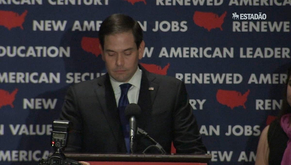 Marco Rubio abandona disputa por indicação à Casa Branca