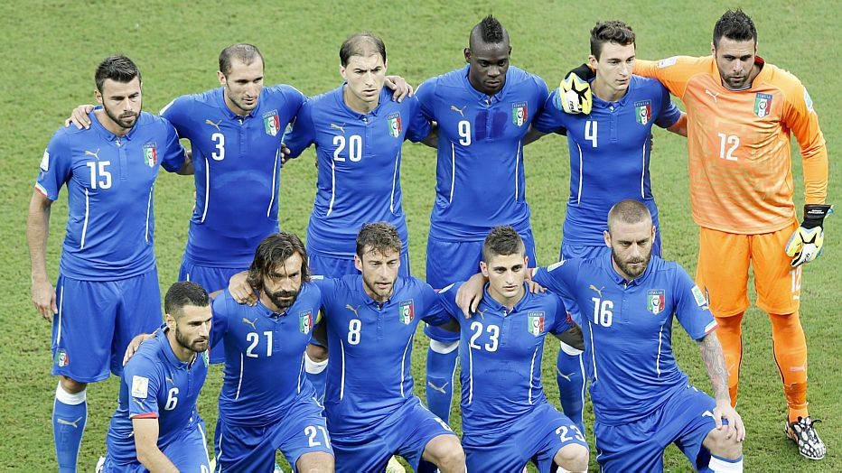 . Manaus (Brazil), 14/06/2014.- The Italian team pose for a team picture prior to the FIFA World Cup 2014 group D preliminary round match between England and Italy at the Arena Amazonia in Manaus, Brazil, 14 June 2014.