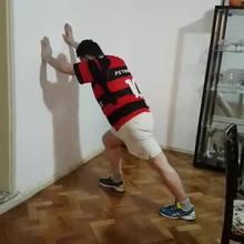 Anthony Garotinho se exercita em vídeo no Facebook