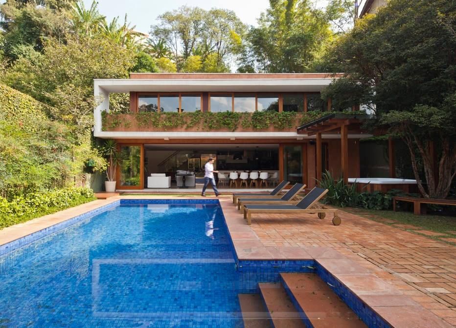 Nos fundos de uma casa em São Paulo, esta construção foi valorizada por obra radical