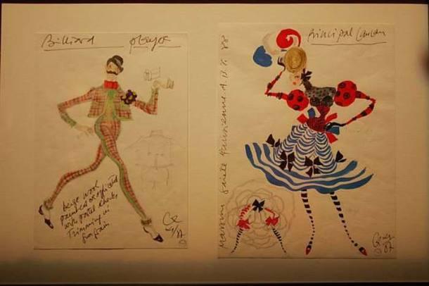 Desenhos das criações de Christian Lacroix em exposição na FAAP