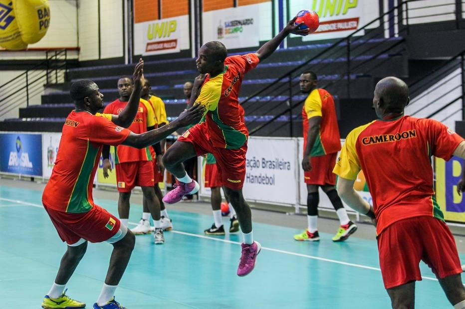 Atletas de Camarões treinam em São Paulo