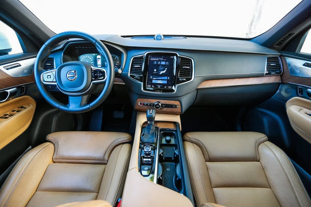 Audi Q7 TDI x Volvo XC90 D5