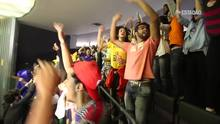 Estudantes comemoram a derrota da PEC que reduz a idade da maioridade penal