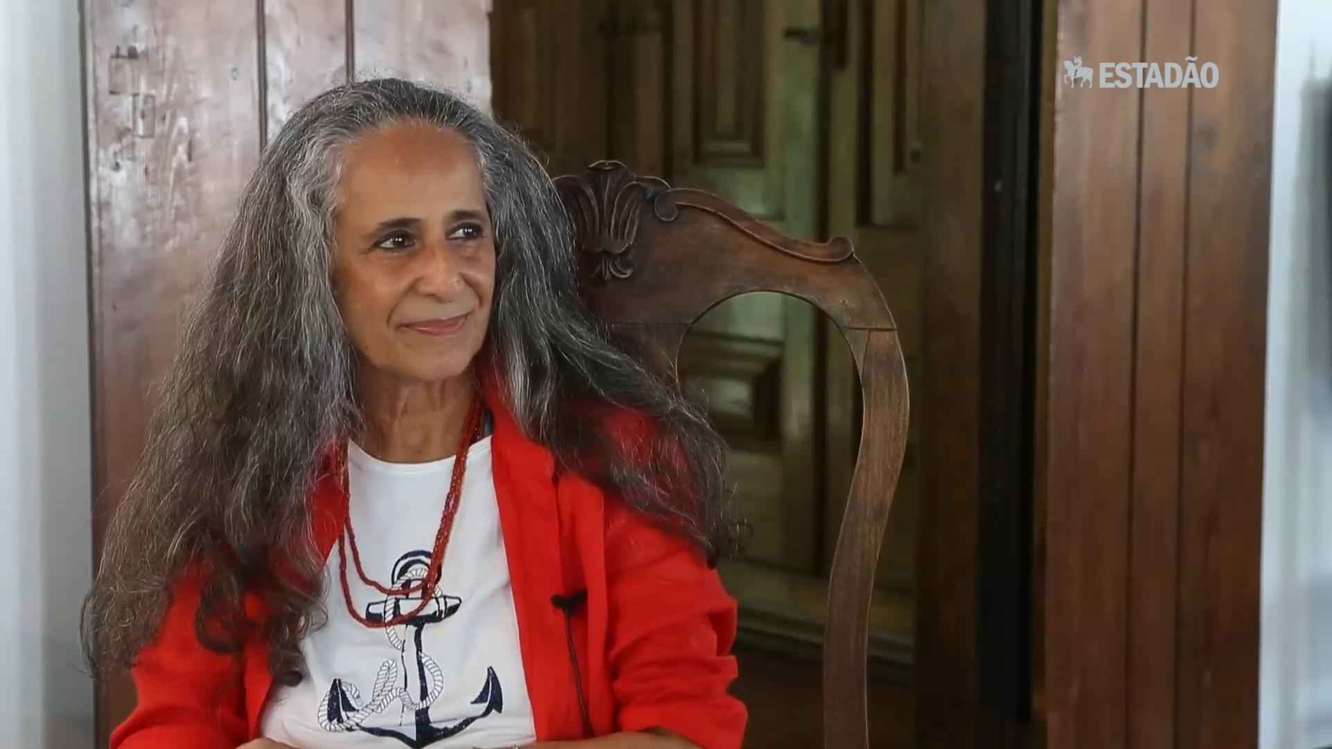 Maria Bethânia chega a São Paulo com show dos 50 anos de carreira