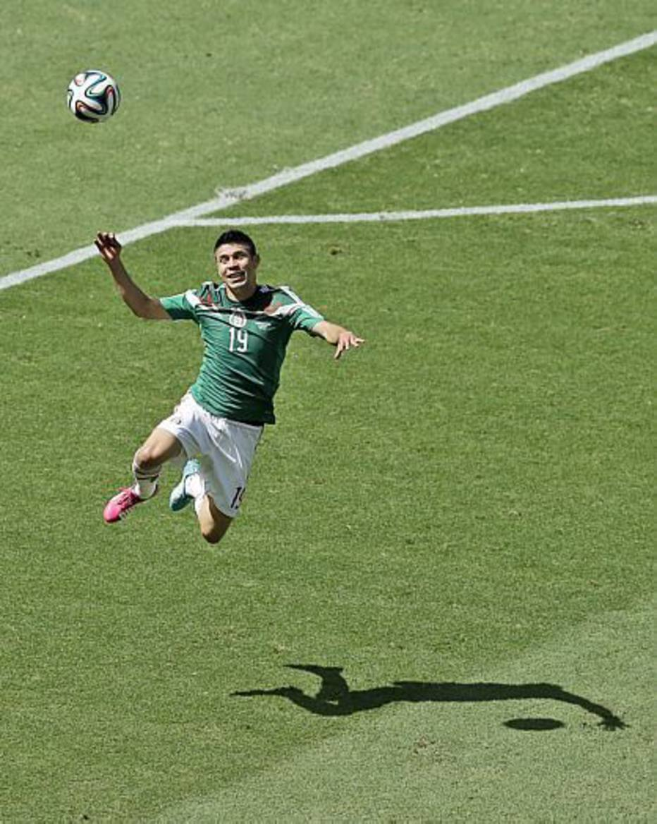 Os 30 minutos iniciais da partida foram de ataques da seleção México