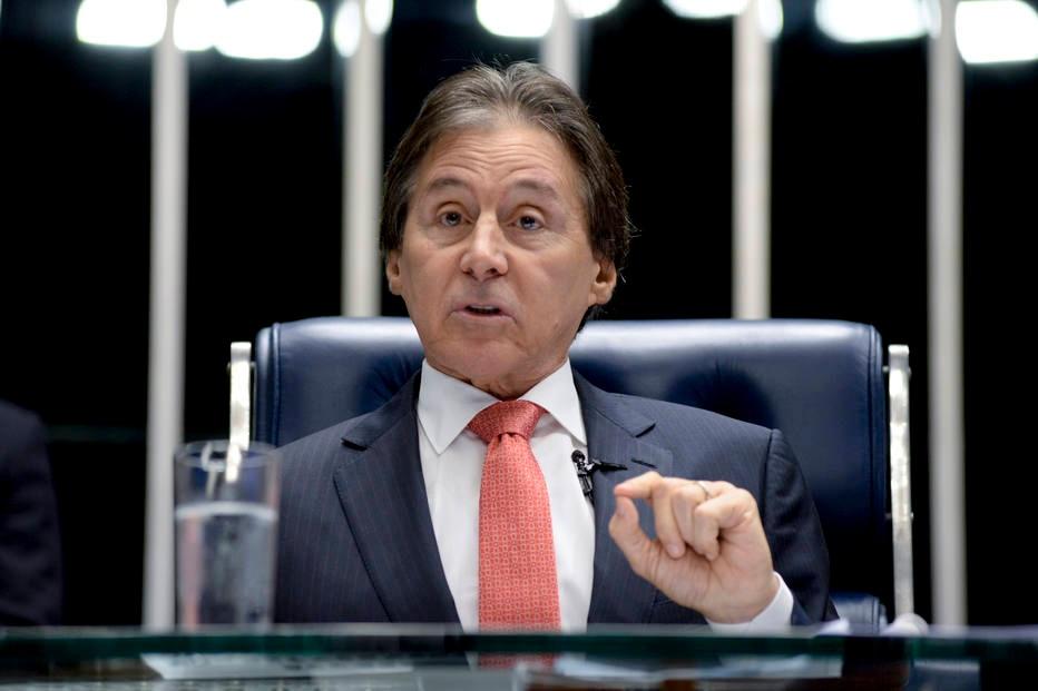 Eunício diz que votará em Lula se PMDB não lançar candidato em 2018