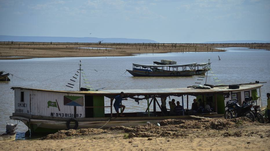 412baa0e7 Forte estiagem que atinge o lado de Sobradinho começou em agosto de 2012  Foto: Marcello Casal/Agência Brasil