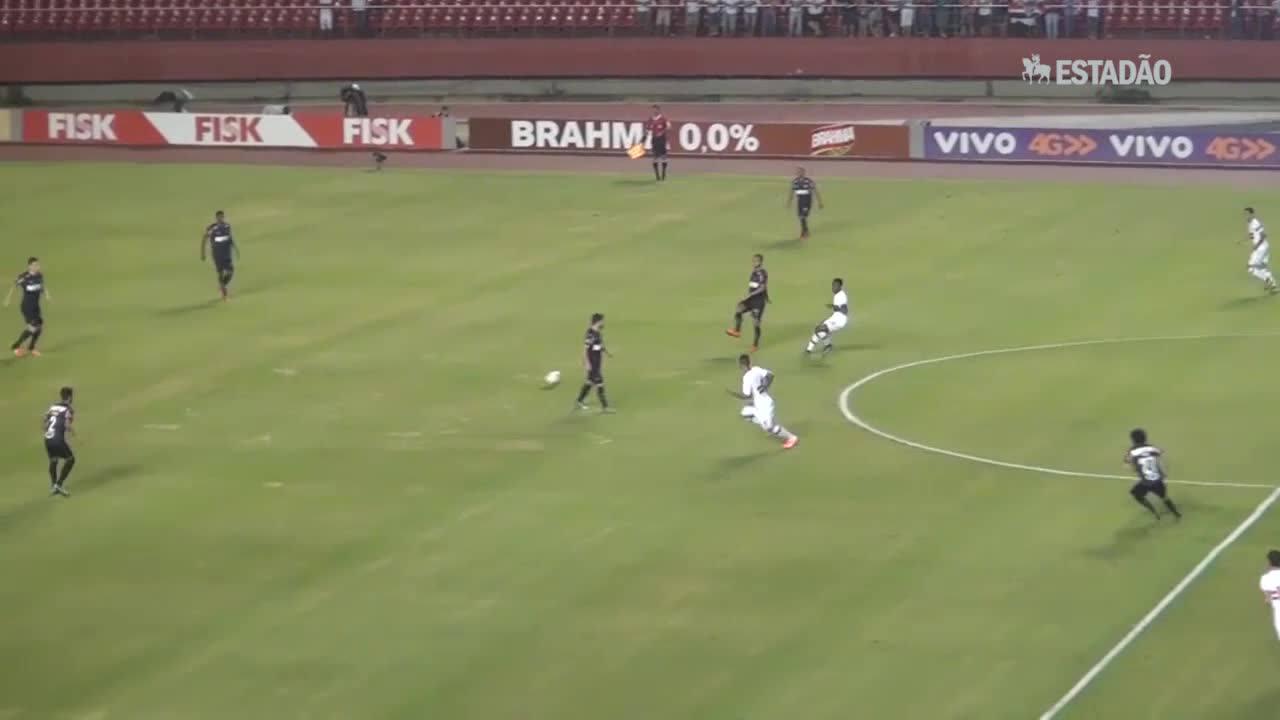 São Paulo bate o Atlético-MG por 4 a 2 e entra no G-4