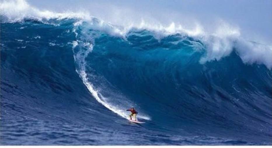 Carlos Burle e Kelly Slater estão escalados para encarar ondas gigantes no México