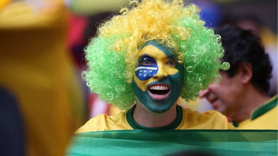 """Já Camarões, prejudicado pela ausência de seu craque, Samuel Eto""""o, que não se recuperou de uma lesão no joelho, foi eliminado logo na segunda rodada."""