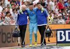 Goleiro Diego Alves, do Valencia, se lesionou na última rodada do Espanhol, contra o Almeria