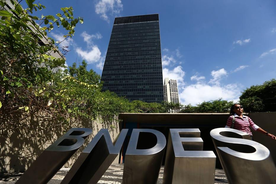Empréstimos do BNDES caem 20% entre janeiro e setembro