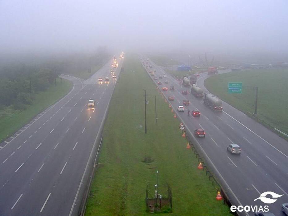 Neblina exige comboios nas rodovias dos Imigrantes e Anchieta