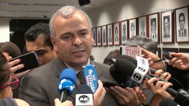 Testemunhas não comparecem para defender André Vargas