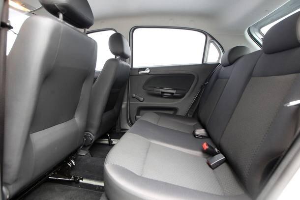 Comparativo: Volkswagen Gol X Chevrolet Onix