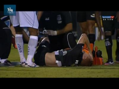 Jogador da Ponte Preta sofre lesão grave na partida contra o São Caetano