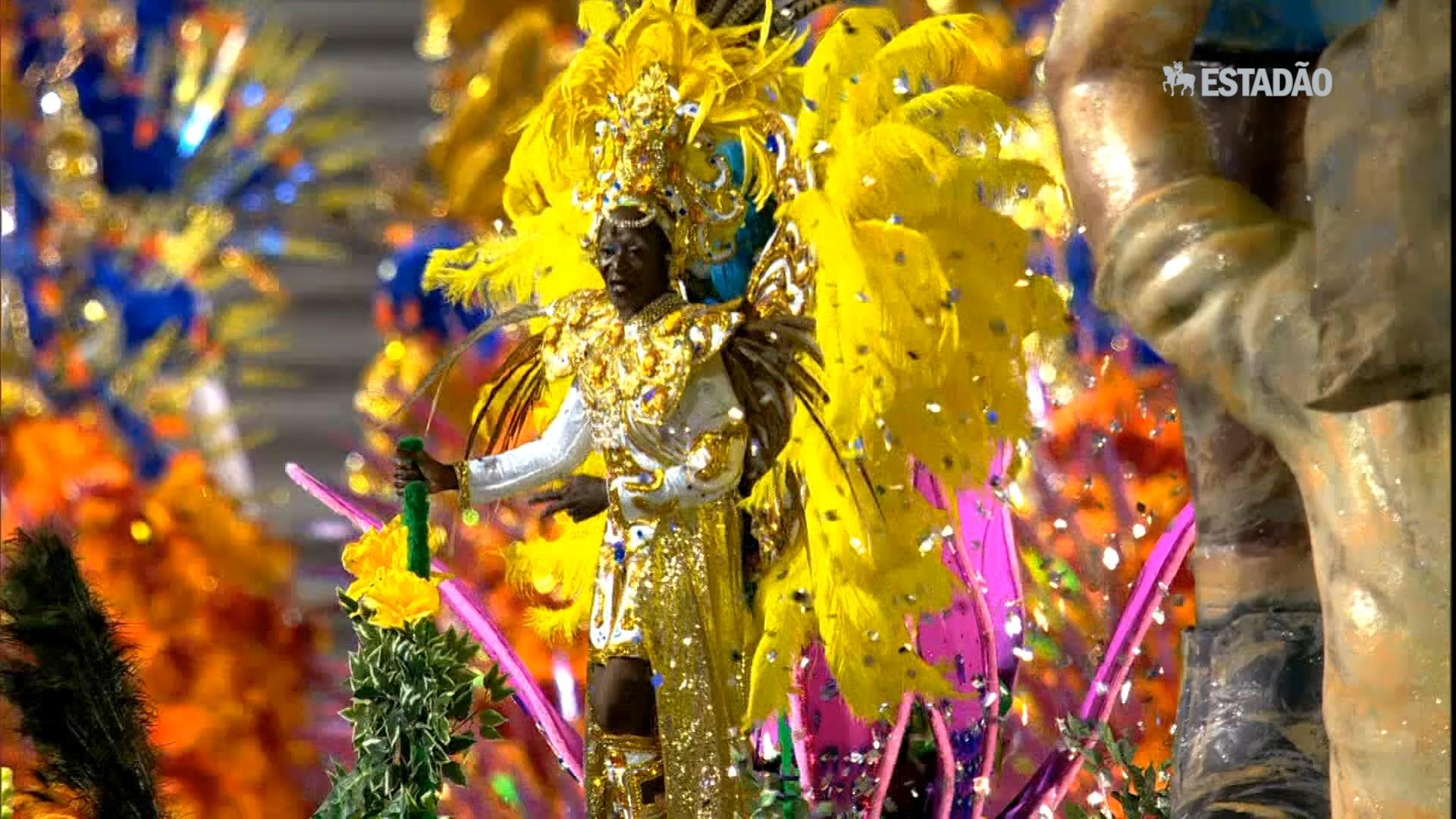 Assista a trechos do desfile da Acadêmicos do Tatuapé