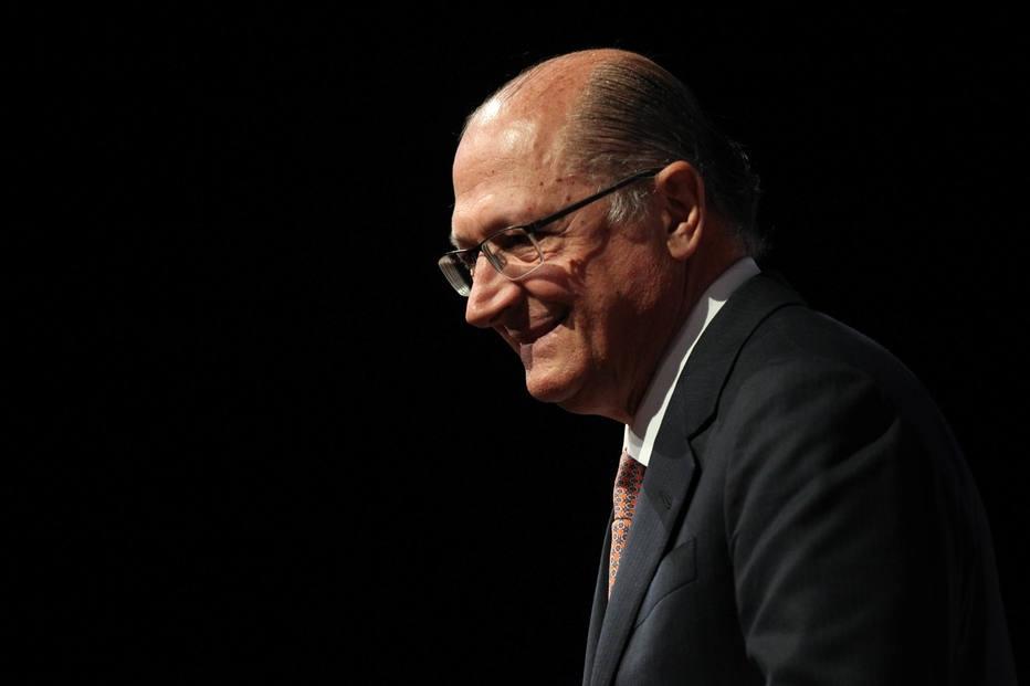 Alckmin descarta exonerar secretários para votarem contra denúncia da PGR