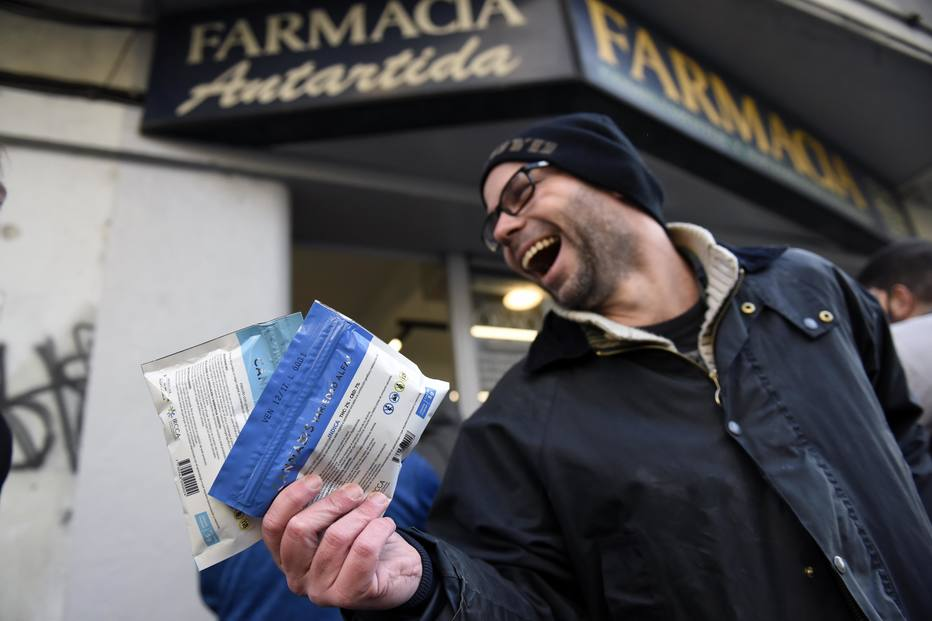 Começa venda de maconha legalizada no Uruguai