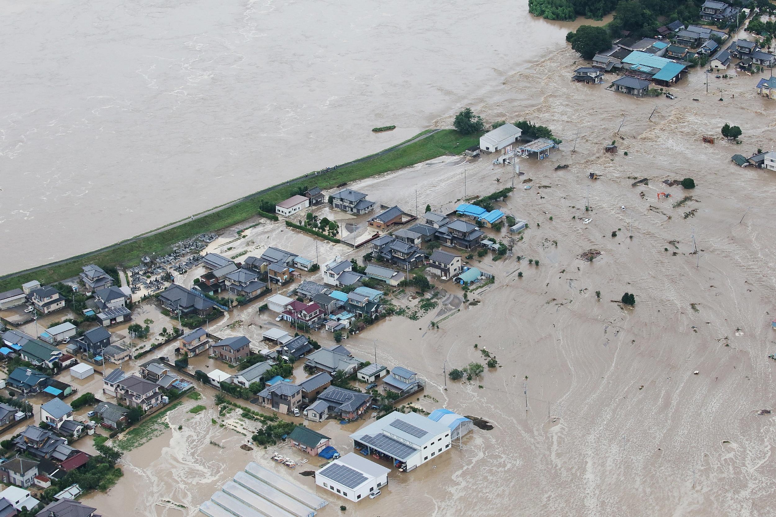 Japão: temporal tira 140 mil pessoas de suas casas