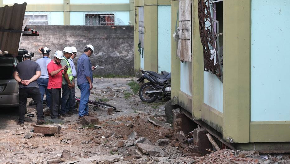 Moradores apontam negligência após explosão no Rio
