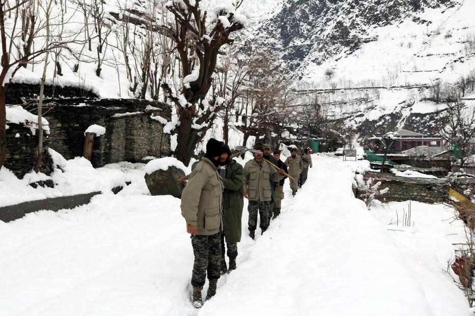 Avalanche mata pelo menos 54 pessoas no Paquistão