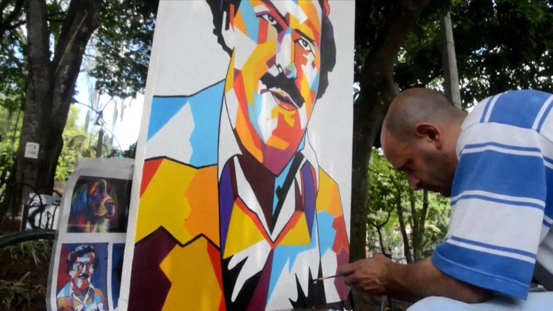 Escobar é fonte de renda