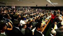 Com 38 votos, comissão aprova parecer do impeachemant