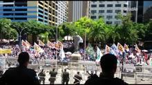 Protesto organizado por sindicatos de servidores em frente a Alerj