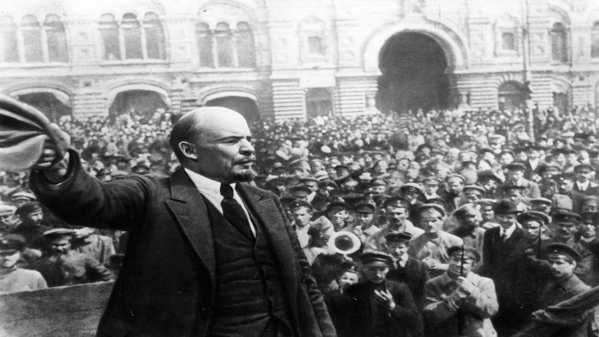 Como aconteceu a Revolução Russa?
