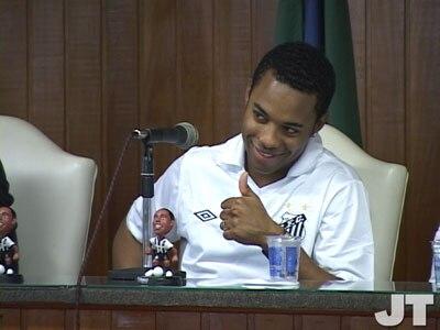 Robinho está de volta ao Santos