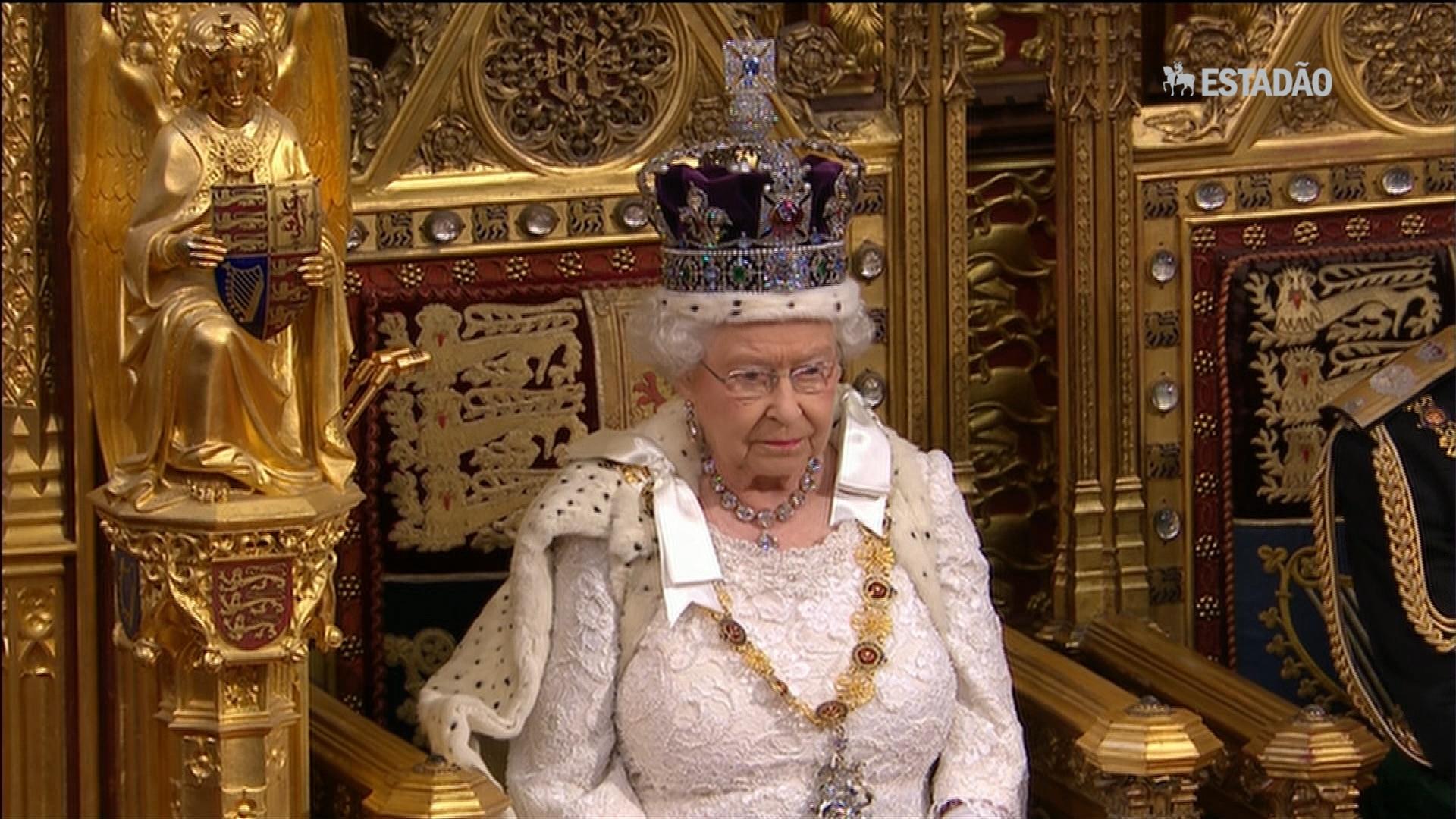 Elizabeth II faz discurso anual na Câmara dos Lordes
