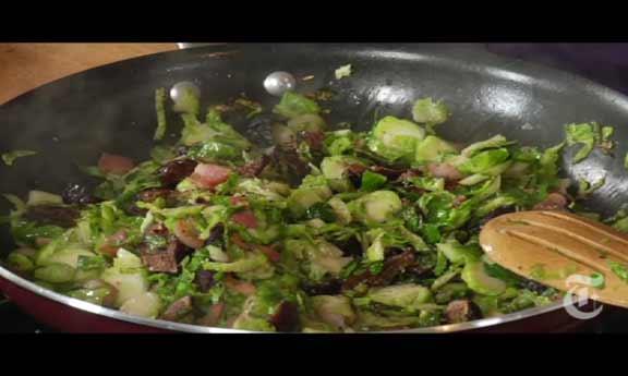 Couve-de-Bruxelas com figo e bacon