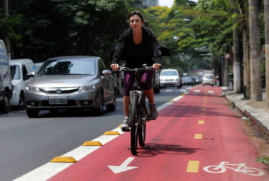 Retirar ciclovias é 'retrocesso que não se viu em nenhum lugar', diz especialista