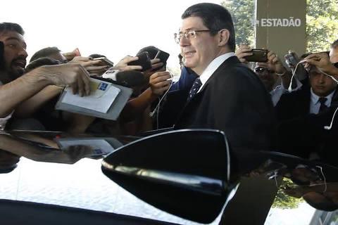 Top News: Levy participa da reunião da Junta Orçamentária