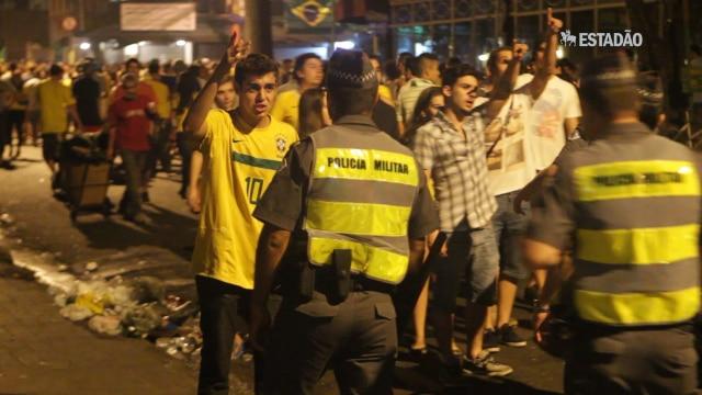 Após jogo do Brasil, polícia faz operação limpeza na Vila Madalena