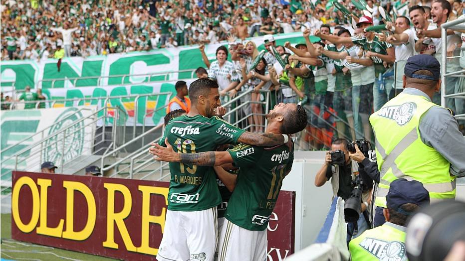 Torcida do Palmeiras fez bonito e lotou o Allianz Parque contra o Santos