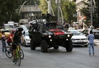 Veículo da polícia turca patrulha as ruas da capital Ancara