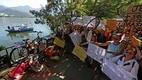 Cariocas protestam pelo segundo dia no local onde o médico Jaime Gold foi morto .Foto:Fábio Motta/Estadão