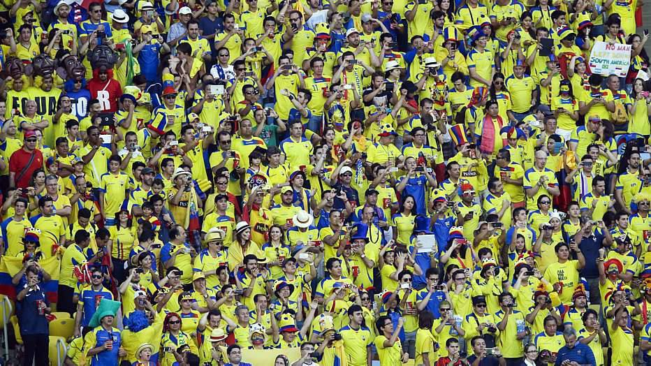 No outro jogo do Grupo E, a Suíça fez 3 a 0 em Honduras, na Arena Amazônia, e fechou a primeira fase na segunda colocação.