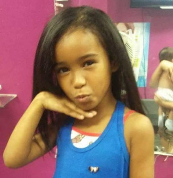 Menina de 7 anos é morta por bala perdida em favela do Complexo da Maré