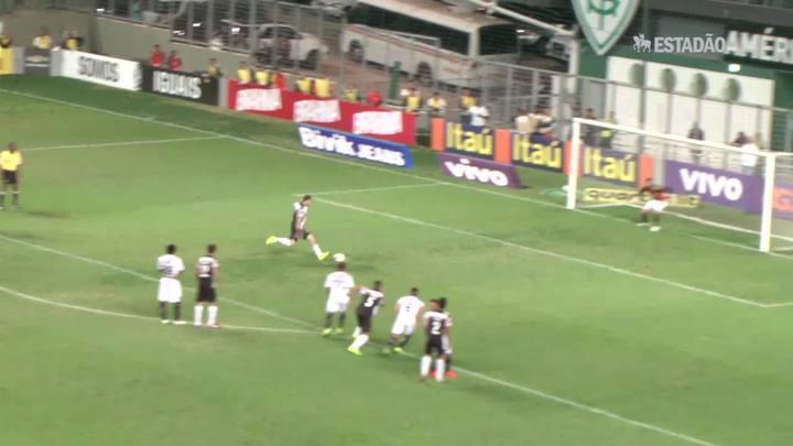 Atlético-MG vence Figueirense e é líder do Brasileirão