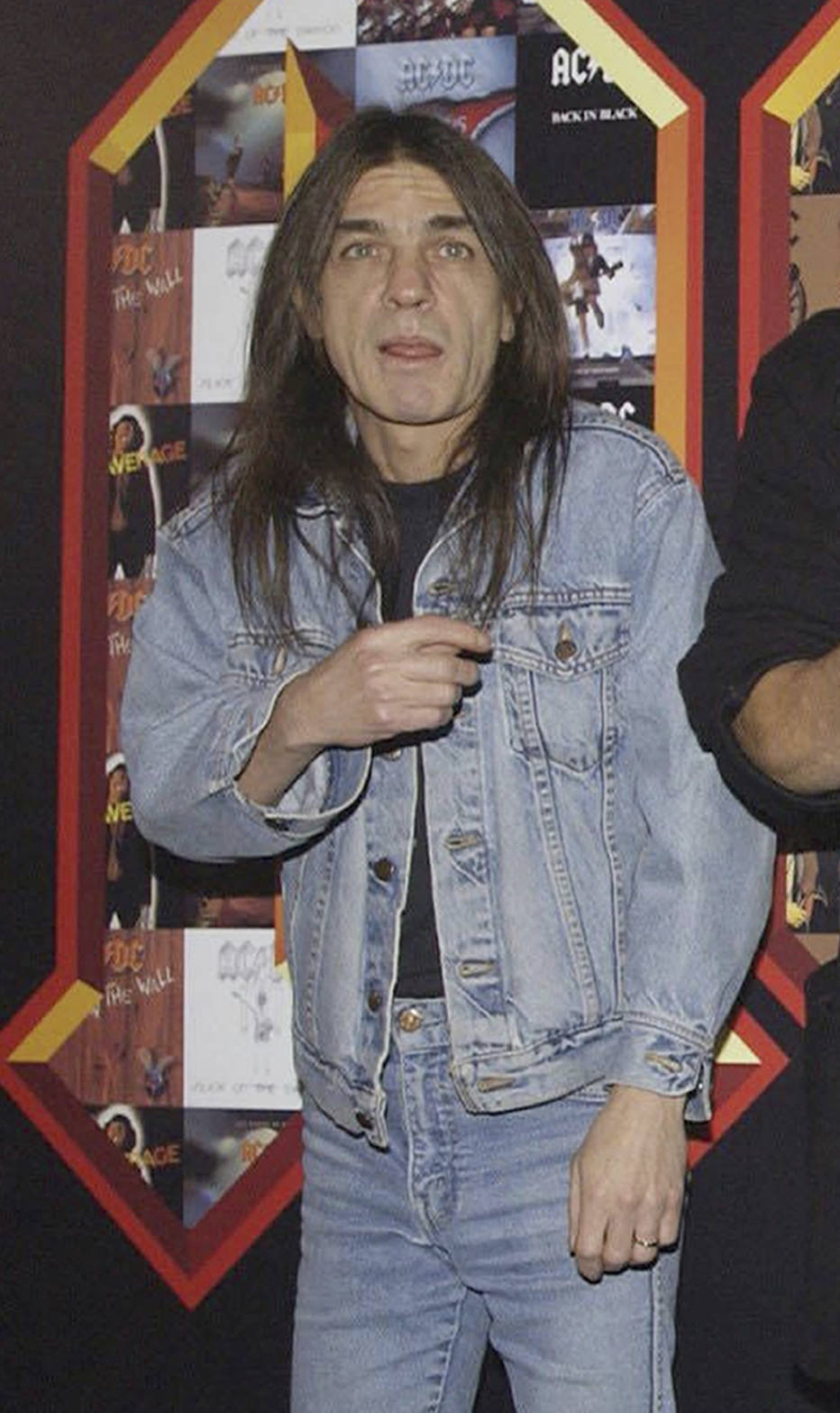 Em luto, mundo do rock lamenta a morte de Malcolm Young