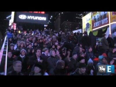 Em Times Square, alegria e alívio com a reeleição de Obama